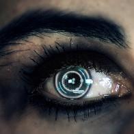 Ученые разработали контактные линзы с зуммированием, которые управляются взглядом