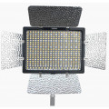 Накамерный свет светодиодный Yongnuo YN-300 IV LED 3200-5600K
