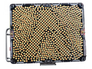 Светодиодный осветитель Aputure Amaran Tri-8s 5500K