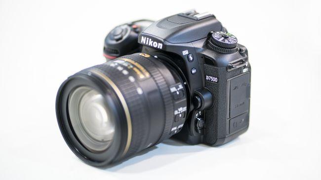 Nikon D7500 - обновки для любительской камеры