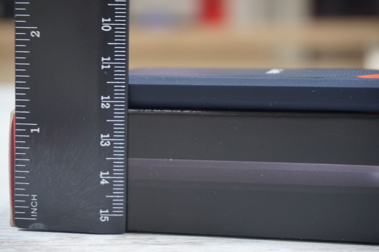Твердотельный накопитель SanDisk Extreme Portable SSD 250GB с  картой памяти SanDisk Extreme Pro microSDXC UHS-II 275MB/s 64GB + USB 3.0 Reader