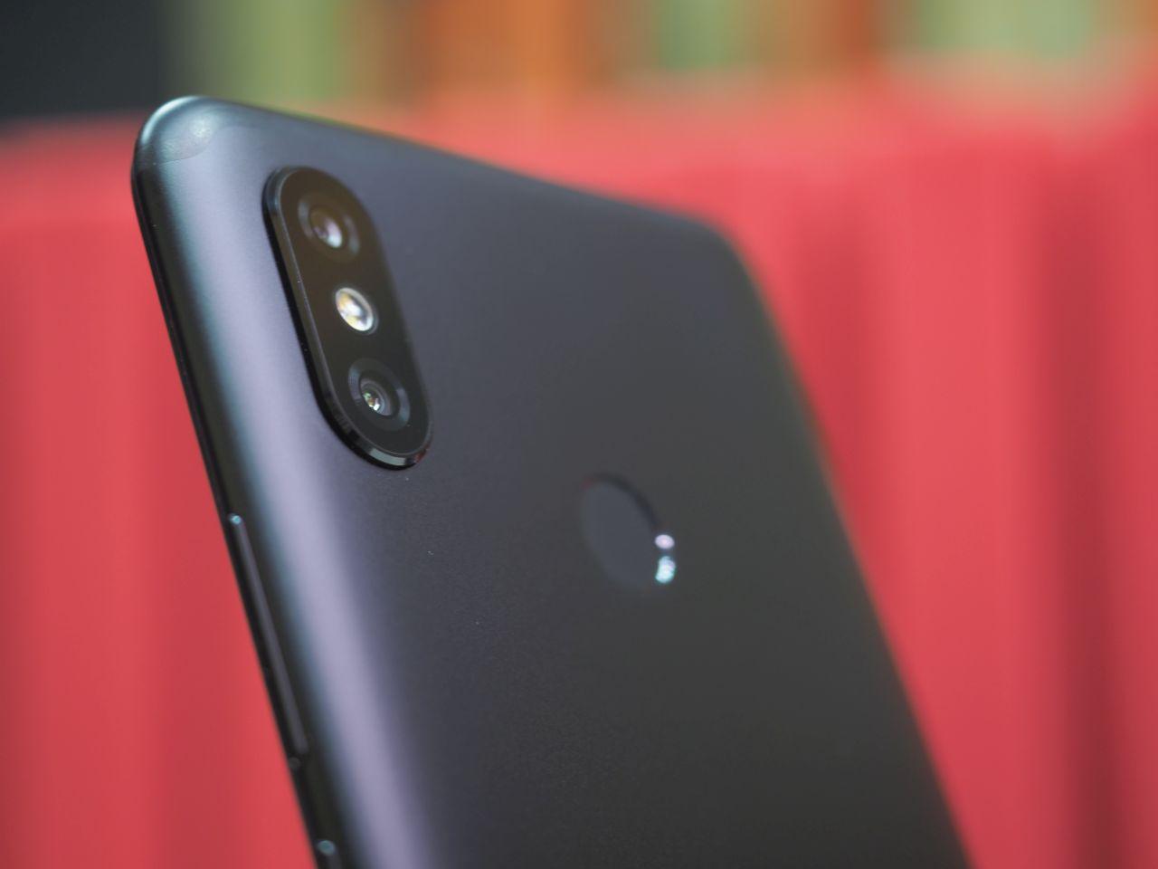 Xiaomi Mi Max 3: 6,9-дюймов силы