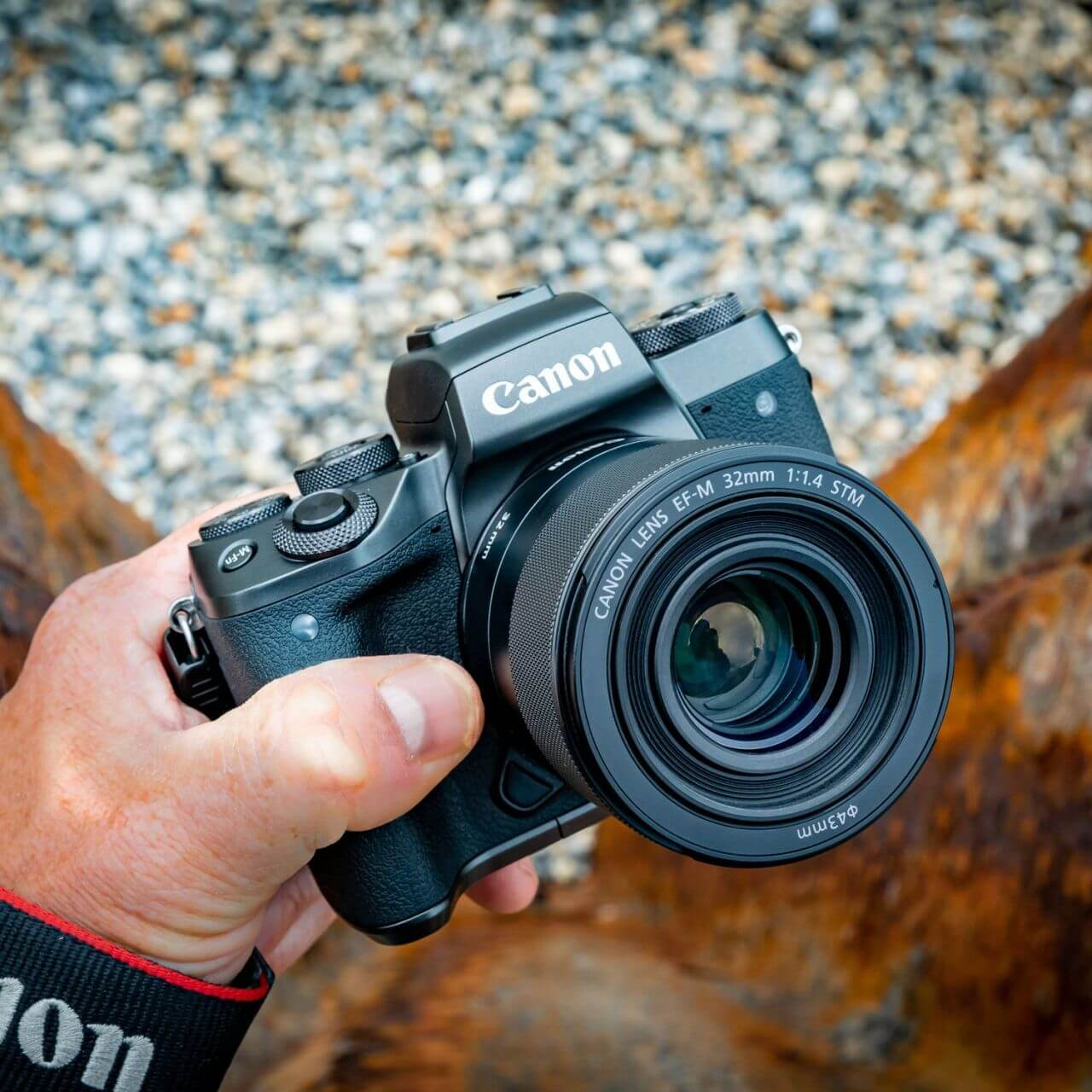 Компактный фикс с отличной оптикой: Canon EF-M 32mm f/1.4 STM