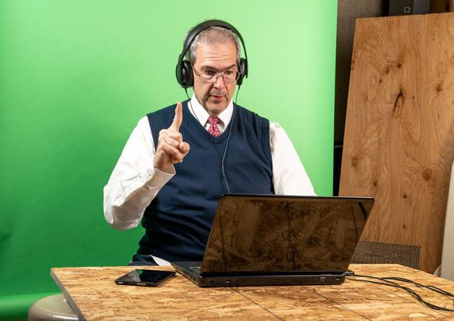 Зеленый экран для онлайн-трансляций