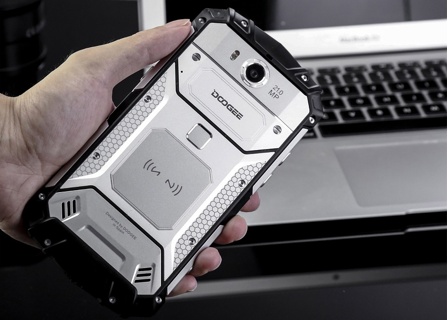 nfc_smartphone.jpg