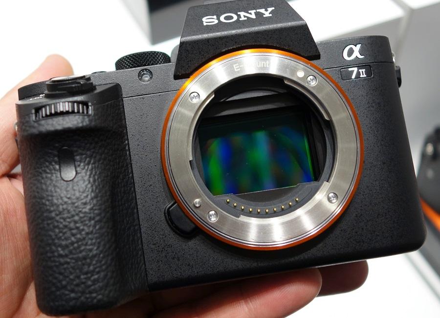 highres-Sony-Alpha-A7-II-4_1422978035.jpg