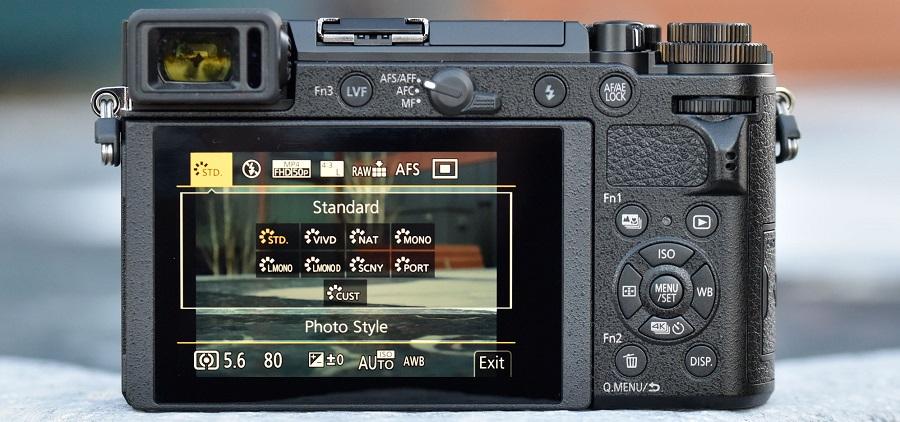 Panasonic_GX9-back.jpg